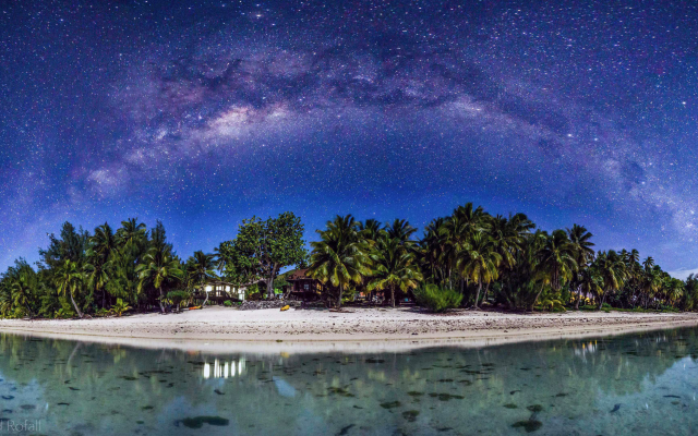 3840x2160 pix. Wallpaper Aitutaki, Cook Islands, beach, galaxy, island, tropics, night, stars, nature