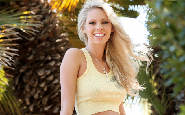 3000x2000 pix. Wallpaper bailey rose, blonde, smiling, tropical, outdoors