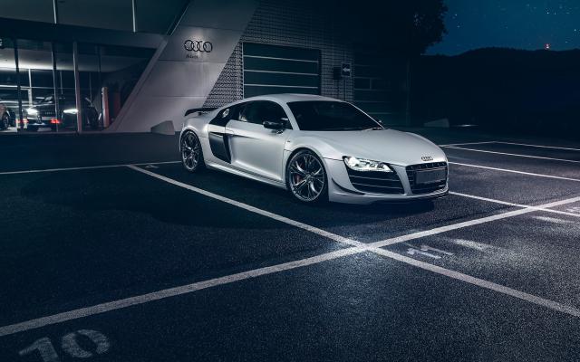 Group Of Car Night Audi R8
