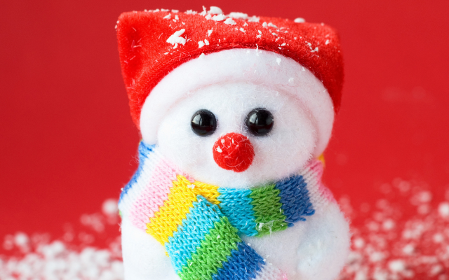 2048x1280 pix. Wallpaper new year, holidays, toy, snowman, christmas