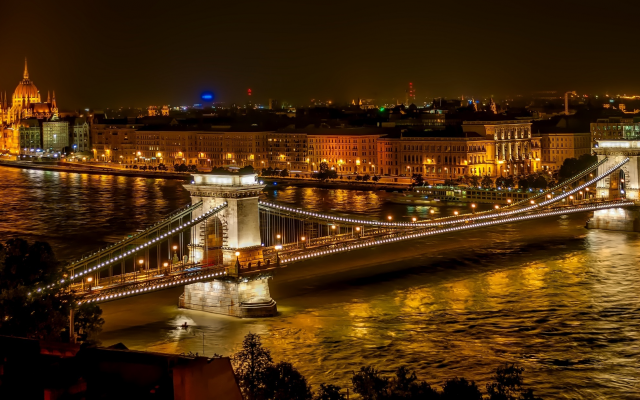 2200x1229 pix. Wallpaper chain bridge, budapest, architecture, river, hungary, city, building, cityscape, lights, night