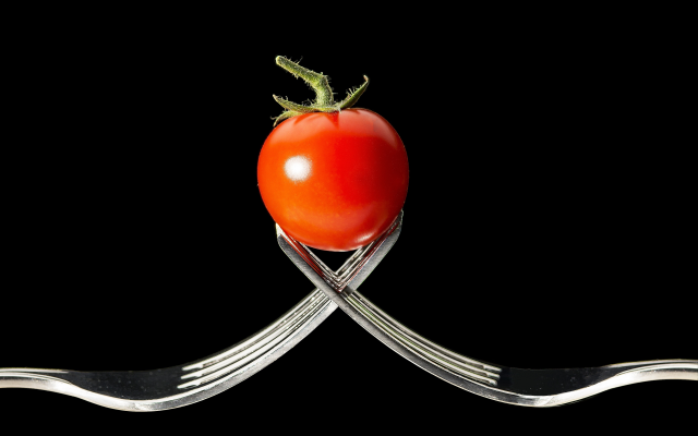 3701x2504 pix. Wallpaper tomato, close-up, black background, forks