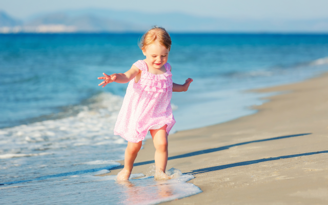 4872x3248 pix. Wallpaper child, girl, baby, dress, beach, sea