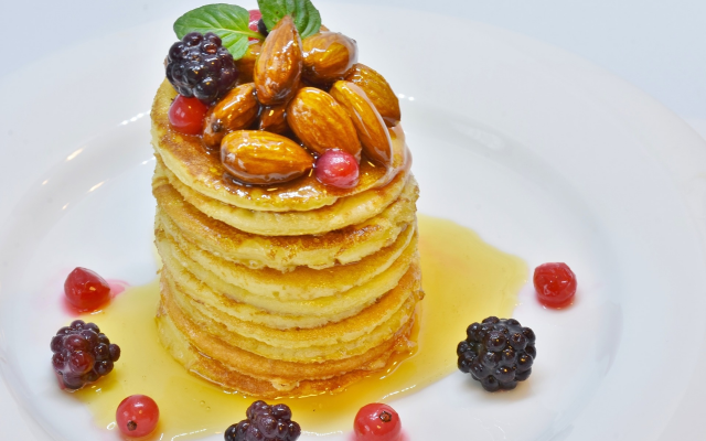 1920x1346 pix. Wallpaper pancake, honey, nuts, berry, food