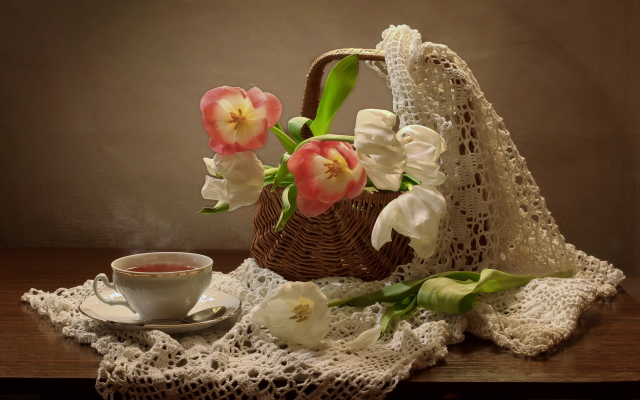 2580x1869 pix. Wallpaper table, cup, tea, flowers, tulips