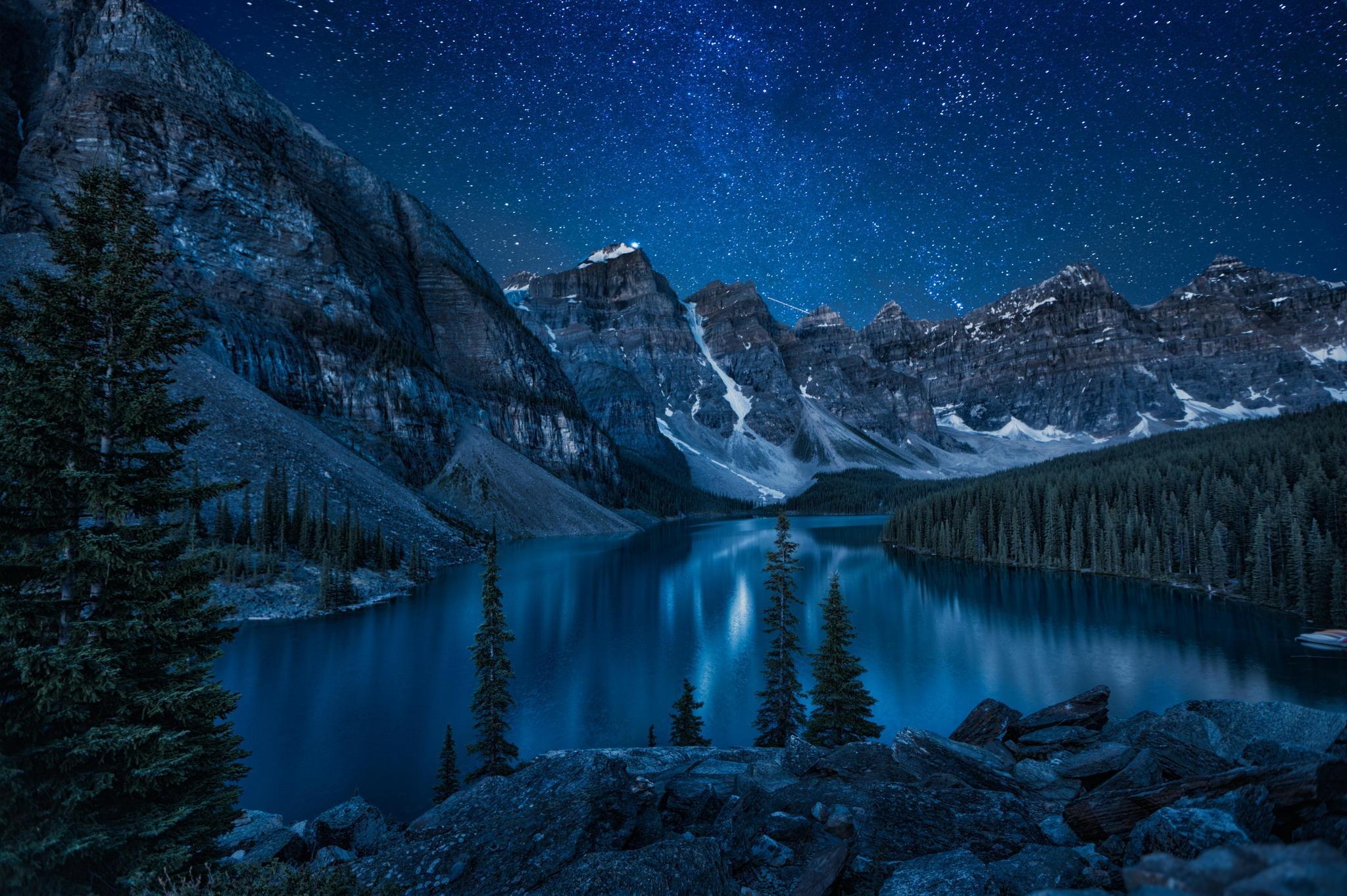 Download 2048x1363 Moraine Lake, Lake, Alberta, Canada