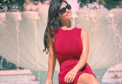 denise milani, women, model, outdoors, brunette, smiling, wavy hair, sunglasses, fountain wallpaper