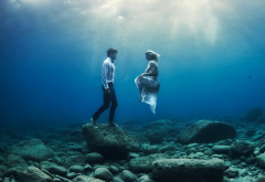 couple, men, women, sea, underwater wallpaper