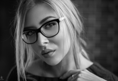 women, monochrome, face, portrait, glasses wallpaper