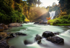 nature, forest, autumn, stones, river, waterfall, sun rays wallpaper