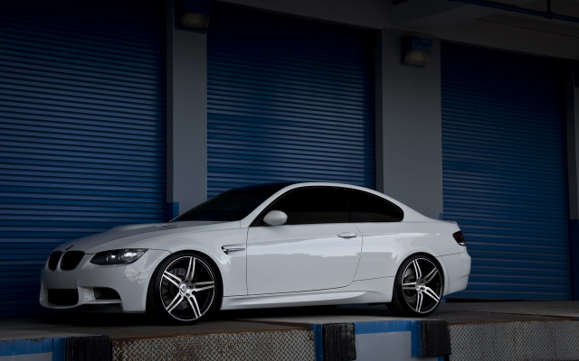 1920x1200 pix. Wallpaper BMW, BMW E92, car, garage