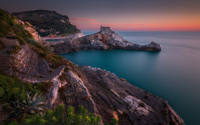 2500x1563 pix. Wallpaper sunset, Italy, sea, coast, turquoise, water, rocks, calm, nature, landscape