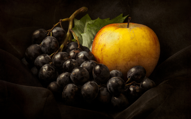2500x1874 pix. Wallpaper still life, grapes, apple, food, fruits
