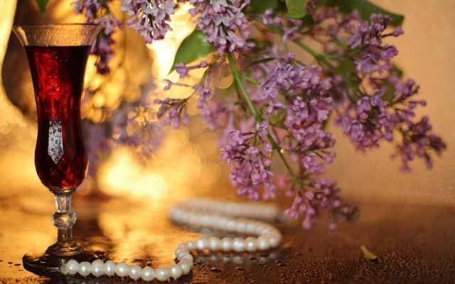 2048x1365 pix. Wallpaper glass, drink, necklace, pearl, lilac, bokeh, lilac, flowers