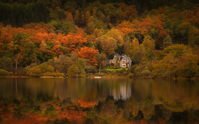 2000x1290 pix. Wallpaper trossachs, scotland, loch achray, house, autumn, lake, trees, nature