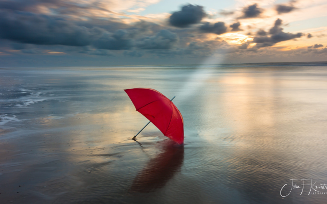 2000x1146 pix. Wallpaper umbrella, sea, clouds, nature