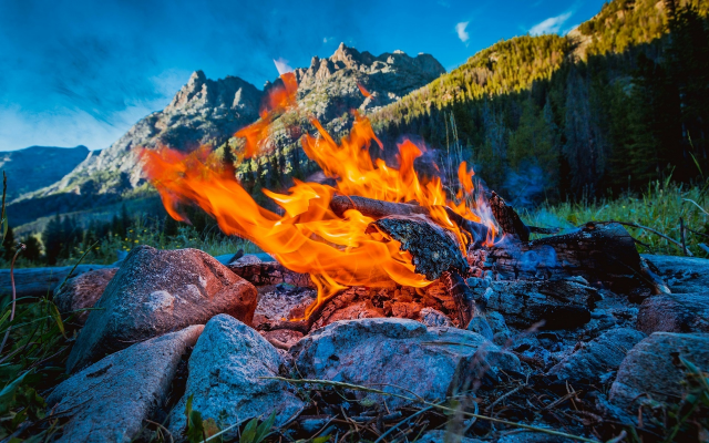 1920x1200 pix. Wallpaper bonfire, flame, mountains, sky, nature, fire, campfire, beaver park, wind rivers, wyoming, usa