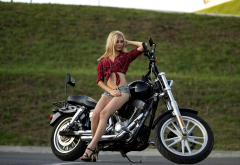 motorcycle, harley davidson, girl, blonde, bike, jeans shorts wallpaper