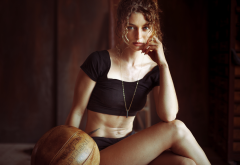 anne hoffmann, model, curly hair, necklace, black top, sitting, legs, women wallpaper